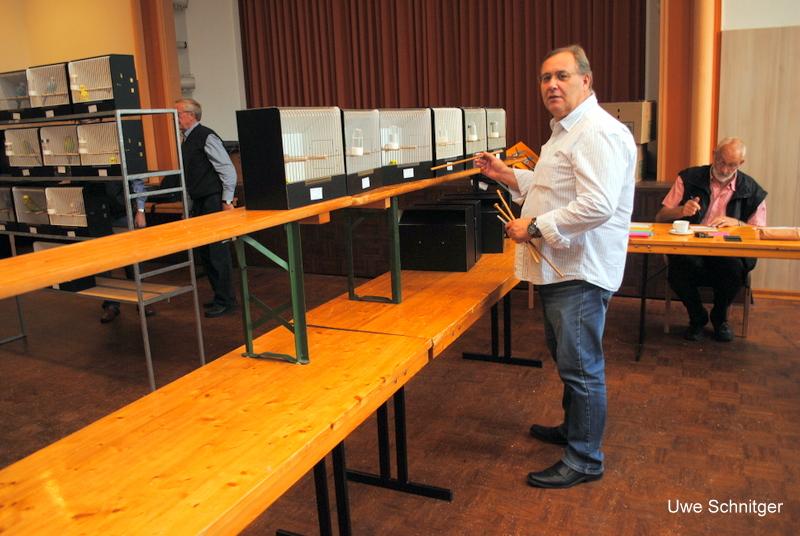 Wellensittichpreisrichter Uwe Schnitger